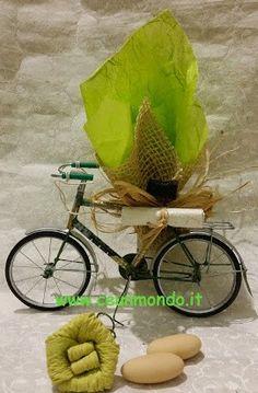 Bicicletta in latta 13cm con Portaconfetti