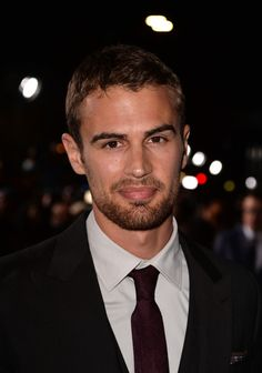 Theo James Photos - Actor Theo James arrives at the premiere of Summit Entertainment's 'Divergent' at the Regency Bruin Theatre on March 2014 in Los Angeles, California. - 'Divergent' Premieres in LA — Part 4 Theodore James, Theo James, Good Looking Actors, Press Tour, Shailene Woodley, British Men, The Beverly, How To Look Better, Handsome