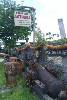 ::: FOCAL POINT :::: GOING COASTAL? TRY ANTIQUING FOR AUTHENTICITY Stoneage Antiques - Miami River