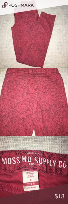 Floral print pants Light fade, floral print, skinny style.                              🌺PRICE IS FIRM UNLESS BUNDLED🌺 Mossimo Supply Co Pants Skinny