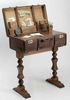 Furniture ideas vintage suitcases, old luggage и old suitcases. Suitcase Decor, Suitcase Table, Suitcase Display, Repurposed Furniture, Vintage Furniture, Painted Furniture, Industrial Furniture, Vintage Suitcases, Vintage Luggage