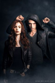 Jace (Jamie Campbell Bower) & Clary (Lilly Collins)