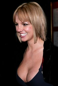 Britney looks like a cross between Cameron Diaz and Jennifer Aniston with this bob.