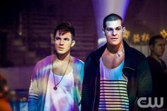 "Star-Crossed -- ""Give Me a Torch"" -- Image Number: STA111b_0085.jpg -- Pictured (L-R): Matt Lanter as Roman and Greg Finley as Drake -- Photo: Skip Bolen/The CW -- © 2014 The CW Network, LLC. All rights reserved."