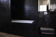 Code couleur black obsession on pinterest atelier - Couleur pour une salle de bain ...