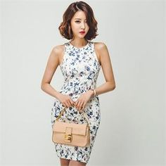 Buy 'ERANZI – Sleeveless Floral Print Bodycon Dress ' with Free International Shipping at YesStyle.com. Browse and shop for thousands of Asian fashion items from South Korea and more!