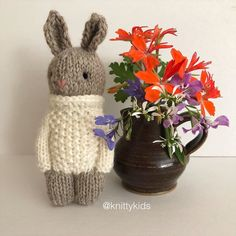 """Gudrun Dahle on Instagram: """"🧶🐰 After all the colours and embroidery I've been playing around with, it felt good to just make a simple knitty kid bunny in neutral…"""" Knitted Dolls, All The Colors, Neutral, Bunny, Felt, Colours, Play, Embroidery, Knitting"""