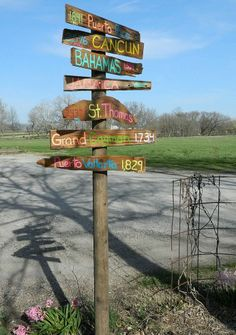 This would be so cool to do of all the places that are close to our hearts!! We could put it right next to our drive way end. I really like this idea!!! -) Outdoor Projects, Outdoor Ideas, Outdoor Decorations, Outdoor Crafts, Yard Art, Art Crafts, Craft Paint, Garden Junk, Garden Yard Ideas