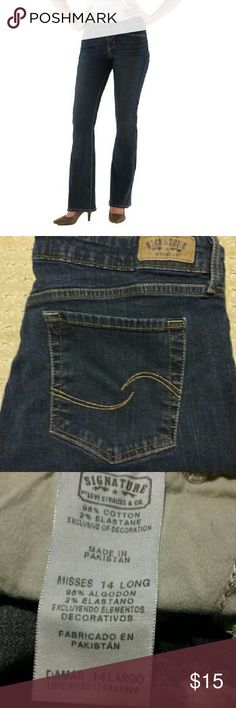 """NWOT Levi's Signature 14L Dark wash Slimming line, 98% cotton and 2% elastane. NWOT, 30""""waist,  33"""" inseam and 9"""" front rise. Misses sizing. Levi's  Jeans"""