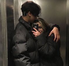 Cute Couples Photos, Cute Couple Pictures, Cute Couples Goals, Couple Goals, Couple Photos, Cute Couple Selfies, Beautiful Pictures, Emo Couples, Teenage Couples