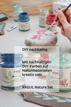 Die Natur lebt von Farben. Erfrischend wie Eukalyptus, tiefgründig wie das Blau des Ozeans, belebend wie das Rot eines Korallenriffs oder die dezente Eleganz eines Kieselsteins. Die Schönheit der Natur lockt mit Tönen, die die Sinne ansprechen. Mit dem KREUL Nature Set lassen wir uns vom Farbenschauspiel der Natur inspirieren und leisten gleichzeitig einen Beitrag für die Zukunft. Für jedes zweite verkaufte KREUL Nature Set wird ein Baum gepflanzt. Tree Planting, Sustainability, Creative