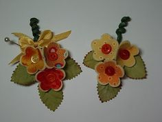 ...tutorial to make these flowers from scrap fabric and felt...