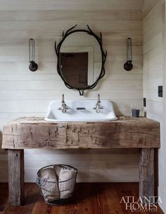 This is Rustic farmhouse style bathroom design ideas 5 image, you can read and see another amazing image ideas on 60 Rustic Farmhouse Style Bathroom Design Ideas gallery and article on the website Lodge Bathroom, Cabin Bathrooms, Primitive Bathrooms, Rustic Bathrooms, Vintage Bathrooms, Bathrooms 2017, Rustic Cabin Bathroom, Bathrooms Decor, Upstairs Bathrooms