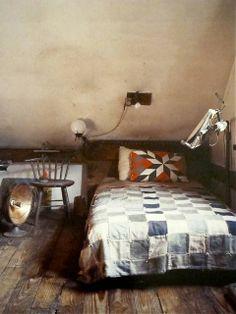 /\ /\ . Raoul Hague http://www.improvisedlife.com/2011/06/30/book-giveaway-artists-handmade-houses/