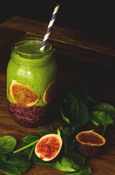 Deep Purple Smoothie mit Chia Samen - Healthy Soulfood