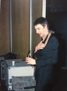 Paul Weller, Rock News, Beautiful Boys, Punk Rock, Rock And Roll, Bond, Singer, Image, Stars