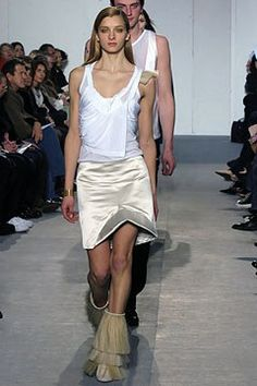 Helmut Lang Fall 2004 Ready-to-Wear Collection Photos - Vogue