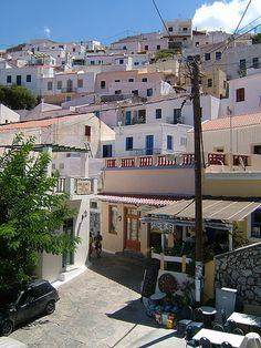 KEA GREECE | Ioulis? I miss you! I want to walk up your donkey hills & goat paths to the Lion of Kea! #greece #cyclades - gypsy18