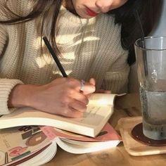 milk coffee aesthetic book ulzzang 얼짱 soft minimalistic light korean kawaii grunge cute kpop pretty photography art artistic ethereal g e o r g i a n a : e t h e r e a l Korean Aesthetic, Brown Aesthetic, Aesthetic Photo, Aesthetic Girl, Aesthetic Pictures, Aesthetic Writing, Classy Aesthetic, Study Hard, Study Break