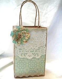 Shabby Gift Bag by Julia S - Cards and Paper Crafts at Splitcoaststampers Paper Bag Crafts, Paper Gift Bags, Doilies Crafts, Paper Doilies, Creative Gift Wrapping, Creative Gifts, Wrapping Ideas, Craft Bags, Craft Gifts