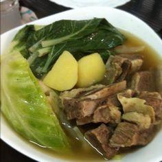 http://foodipino.com/2012/11/22/nilagang-baka/ NILAGANG BAKA