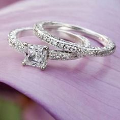 18K White Gold Delicate Antique Scroll Ring