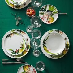 Rendered in a tropical print, this Brillance Les Fruits du Jardin collection from Rosenthal is the perfect addition to your outdoor dining needs. Ceramic Plates, Decorative Plates, Laura Wood, Green Home Decor, Plate Design, Time To Celebrate, Kitchen Essentials, Interior Exterior, Gardens