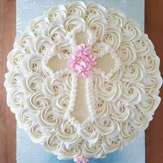 First communion cake for a girl Buttercream cake Baptism cake Communion Solennelle, First Holy Communion Cake, Baptism Cupcakes, Girl Baptism Cakes, Baptism Sheet Cake, Christening Cakes, Baby Girl Christening, Bolo Nacked, Comunion Cakes