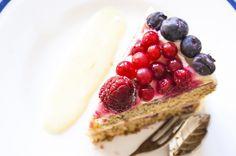 Jazmin y Canela Cuisine | Pastel de limón, yogur y Frutos del Bosque. | http://jazminycanela.com
