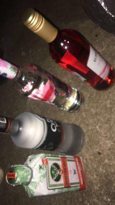 Alcohol Aesthetic, Daddy Aesthetic, Bad Girl Aesthetic, Teen Drinks, Alcohol Bottles, Teen Photography, Fake Photo, Teenage Dream, Liquor