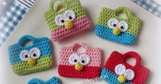 Amimammie: Trakteren Toot-A-Hoot Pattern Design Drawing, Crochet Purses, Toot, Chrochet, Crochet Gifts, Amigurumi Patterns, Designs To Draw, Gift Bags, Baby Shoes