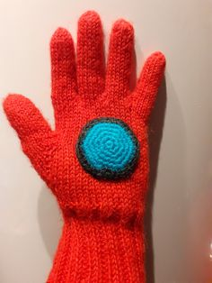 So, my youngest son (8 years), is a superhero fan… and one of his favorites is Iron Man, after asking (nagging) me, for some time, to make Iron man finger gloves, I gave in… Crochet Mask, Knit Crochet, Poke The Bear, Some Times, Drops Design, Man Style, Knitting Projects, Iron Man, Finger