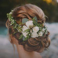 5 up-dos perfectos para una fiesta en la playa | #hair #weddinghair #wedding #bride #beauty #flowercrown