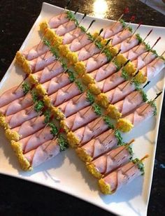 Party Finger Foods Party Snacks Appetizers For Party Appetizer Recipes Party Food Platters Plats Froids Food Garnishes Reception Food Tea Sandwiches Party Finger Foods, Finger Food Appetizers, Appetizer Recipes, Appetizer Buffet, Appetizers Table, Snack Recipes, Party Food Trays, Food Platters, Comidas Pinterest