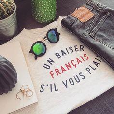 T S H I R T • G R I S#BAISERFRANCAIS #frenchbrand #unbaiserfrancais #frenchstyle #tenuedujour