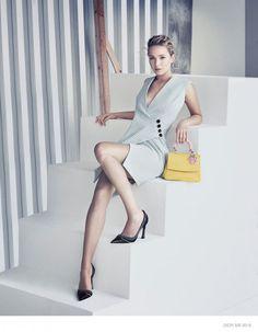 Hot News: Jennifer Lawrence – BE DIOR Campaign    por Helena Bordon   Helena Bordon       - http://modatrade.com.br/hot-news-jennifer-lawrence-a-be-dior-campaign
