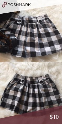 Black and White Plaid Skirt Preloved and still has more love to give. Pair with leggings, tights, high boots, over sized sweaters, graphic tees-- super versatile. It's like your everyday skirt. Forever 21 Skirts Mini