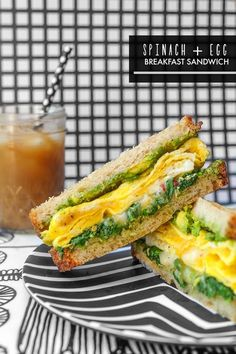 Egg Breakfast Sandwich - Shutterbean Spinach Egg Breakfast Sandwich is a healthy way to fill you up in the morning. Find the recipe on Spinach Egg Breakfast Sandwich is a healthy way to fill you up in the morning. Find the recipe on Healthy Recipes, Healthy Breakfast Recipes, Brunch Recipes, Cooking Recipes, Clean Eating Snacks, Healthy Eating, Vegan Steak, Spinach Egg, Spinach And Eggs Breakfast