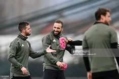 VINOVO, ITALY - APRIL 02: Miralem Pjanic and Gonzalo Higuain of Juventus during a training session on the eve of the Champions League match against Real Madrid at Juventus Center Vinovo on April 2, 2018 in Vinovo, Italy. (Photo by Daniele Badolato - Juventus FC/Juventus FC via Getty Images)