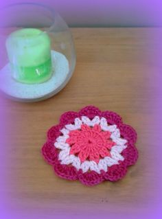 Petit napperon girly au crochet rose fuchsia violine made in France : Textiles et tapis par c-comme-celine