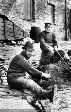 Looe, Fishermen Mending The Nets 1906, from Francis Frith
