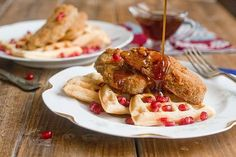 Hungry for vegan Southern food? These vegan fried chicken and waffles recipes will keep you coming back for more, with seitan and cauliflower as vegan meat. Seitan Chicken, Vegan Fried Chicken, Fried Chicken And Waffles, Best Vegan Recipes, Vegetarian Recipes, Vegetarian Dish, Meat Recipes, Waffle Recipes, Brunch Recipes