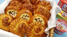 Pastry And Bakery, Beignets, Biscotti, Apple Pie, Cake Recipes, Waffles, Deserts, Food And Drink, The Creator