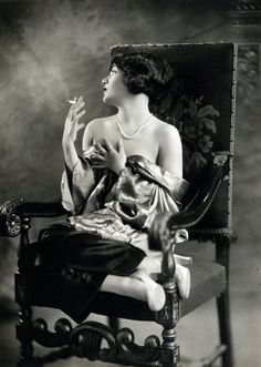 Lupe Velez (1908 - 1944) had a stormy personal life, Her series of romances with figures like Gary Cooper, were highly publicized. Her premature death from suicide, and the mysterious circumstances in which this occurred, made her an urban legend. She was 4 months pregnant when she died. More than 4,000 people filed past her casket during her funeral services. Marilyn Monroe once told a journalist that Lupe Vélez fascinated her and her dream was to be, someday, someone like her.