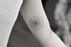 Geometric flower by Dragon