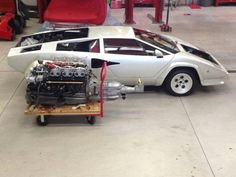 A Lamborghini Countach Restoration Is Absolutely Mesmerizing To See Hanna, Cute Cars, Koenigsegg, Expensive Cars, Amazing Cars, Fast Cars, Concept Cars, Luxury Cars, Vintage Cars