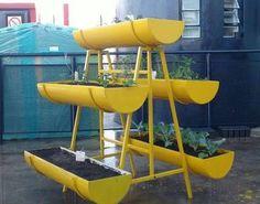 Resultado de imagem para horta na varanda apartamento Vertical Planting, Garden Pots, Container Gardening, Garden Design, Diy, Landscaping, Gardens, Projects, Garden Beds