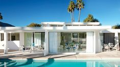 Hot Commodity: A Midcentury <br>Palm Springs Makeover<br /> Slide 0