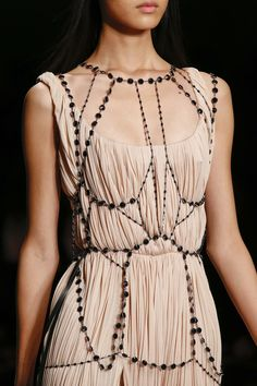 Gathered pleats and beaded chain bodice - fashion details, soft nude dress // Marios Schwab