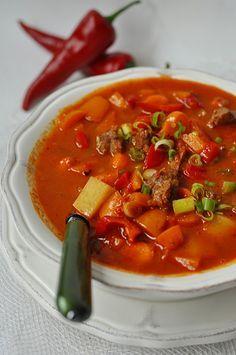 Pikantna zupa paprykowa Soup Recipes, Diet Recipes, Healthy Recipes, Polish Recipes, Food Design, Italian Recipes, Food Inspiration, Dinner Tonight, Good Food